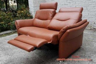 Двухместный кожаный диван HUKLA