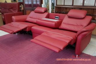 Кожаный диван со столиком